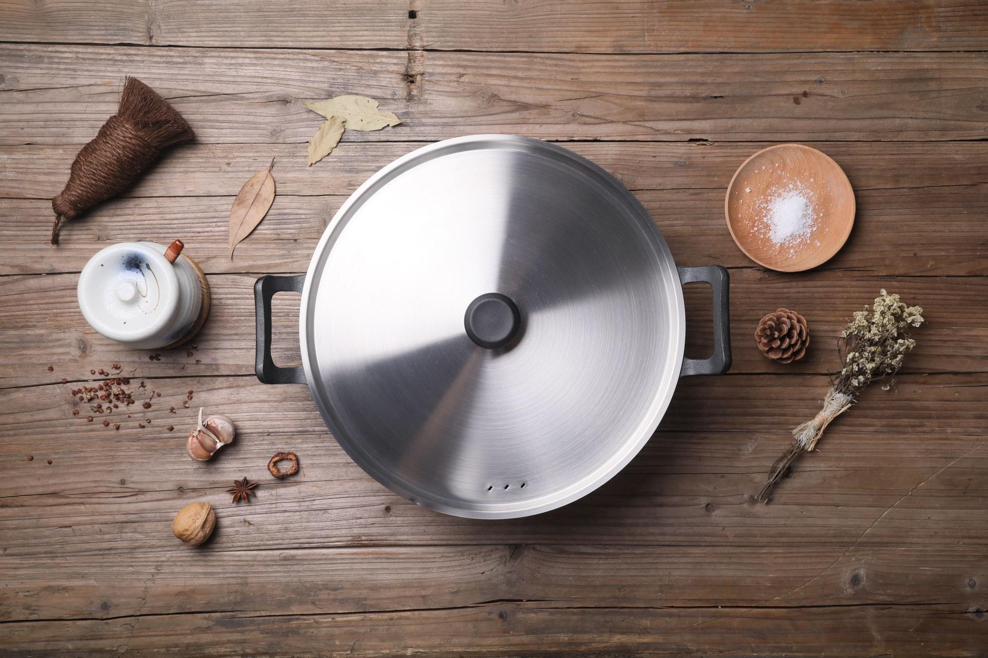 Ustensiles de cuisine utilisés par un chef à domicile
